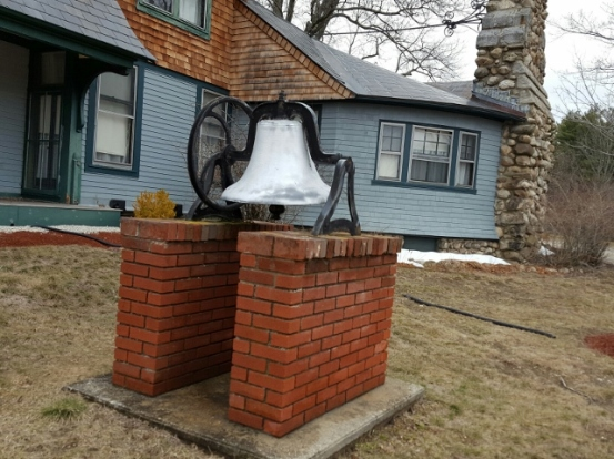 Bell at Hills House (640x480)